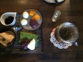 中国茶とデザート三種盛り.JPG